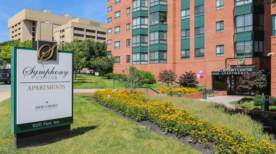 the symphony center luxury baltimore apartment homes